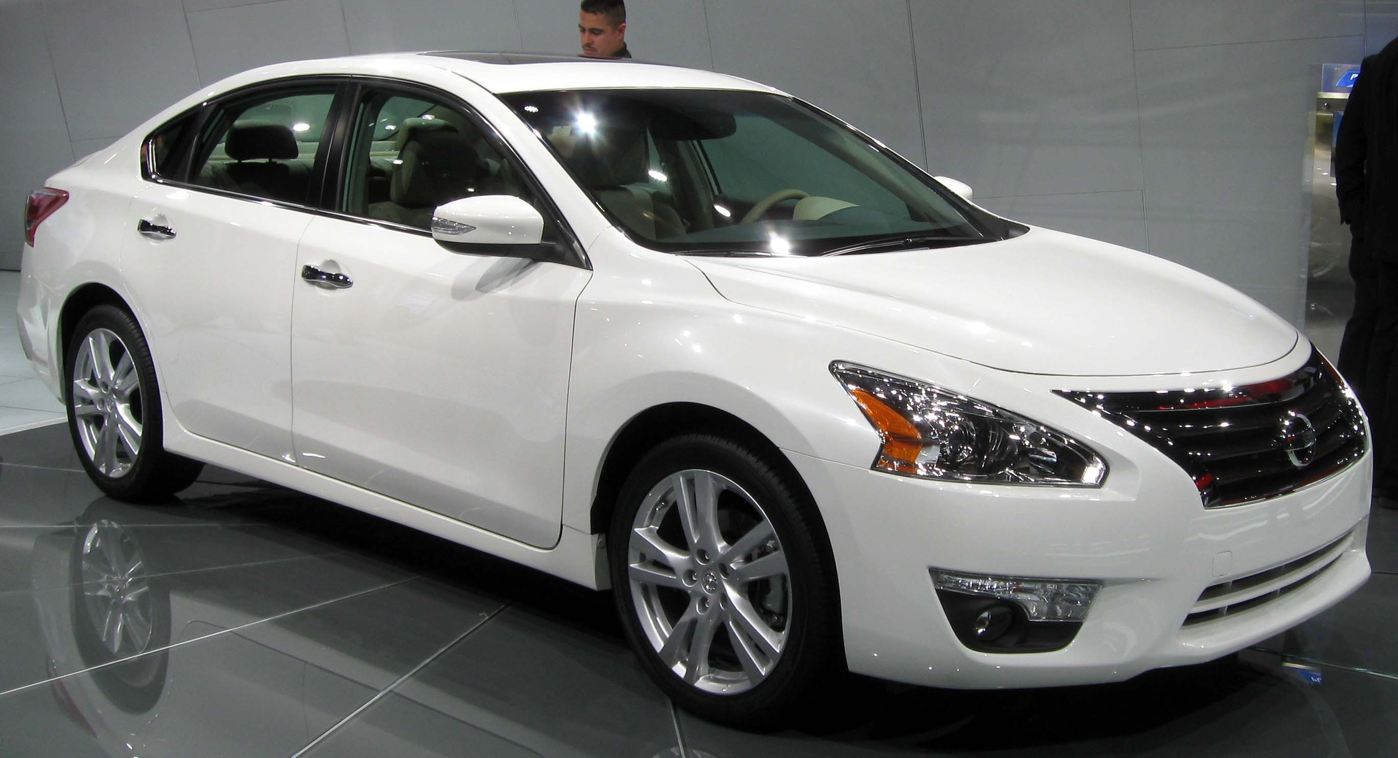 2013 nissan altima archives the truth about cars. Black Bedroom Furniture Sets. Home Design Ideas