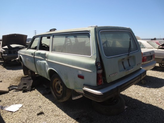 14 - 1975 Volvo 245 Down On the Junkyard - Picture Courtesy of Murilee Martin